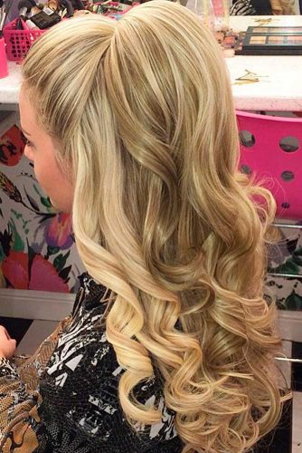 Lovely Holiday Hairstyles for Long Hair picture 2