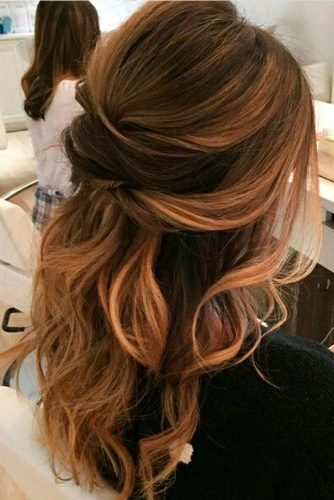 Glorious Loose Hairstyle for Holiday Time picture 3
