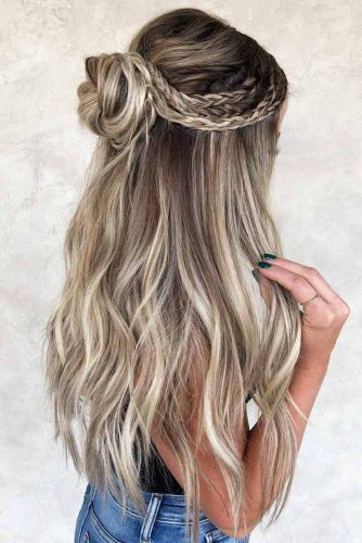 Braided Inspiring Half Up Bun Hairstyles For Long Hair  #hairstylesforlonghair #christmashairstyles #hairstyles #halfuphairstyles
