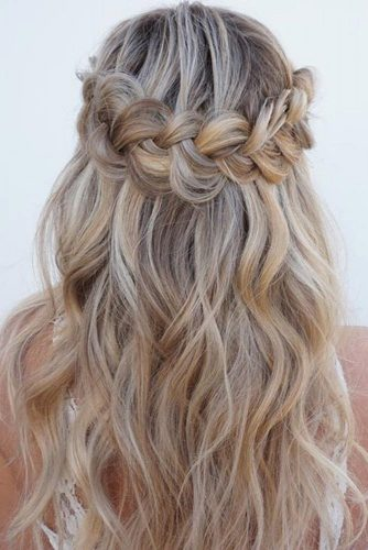 Attractive Hairstyles for Wavy Hair picture2