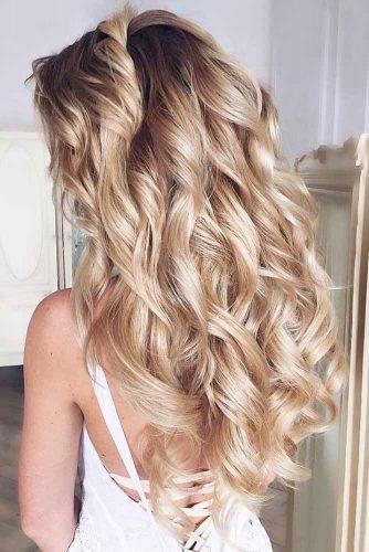 Blonde Wonderful Long Hairstyles For Wavy Hair #hairstylesforwavyhair #christmashairstyles #hairstyles #longhair #wavyhair