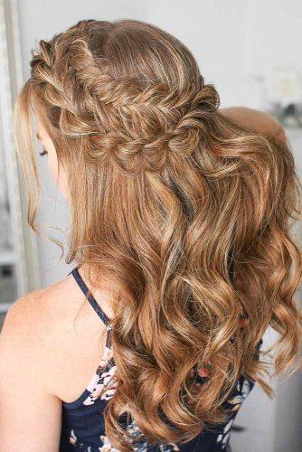 Dutch Fishtail Braided Christmas Hairstyles For Wavy Hair #hairstylesforwavyhair #christmashairstyles #hairstyles #longhair #wavyhair