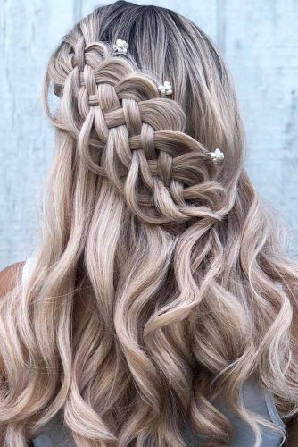 Five Strand Braided Christmas Hairstyles For Wavy Hair #hairstylesforwavyhair #christmashairstyles #hairstyles #longhair #wavyhair