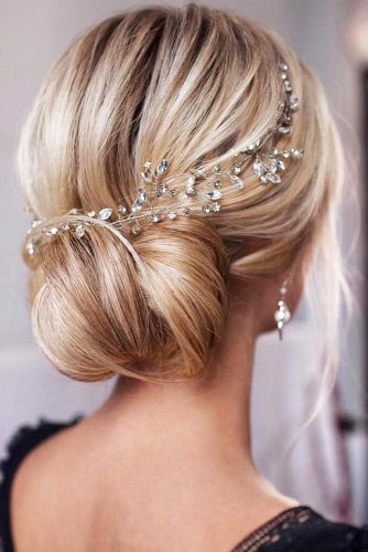 Updo Styles With Headband Twisted #updo #bun #headband