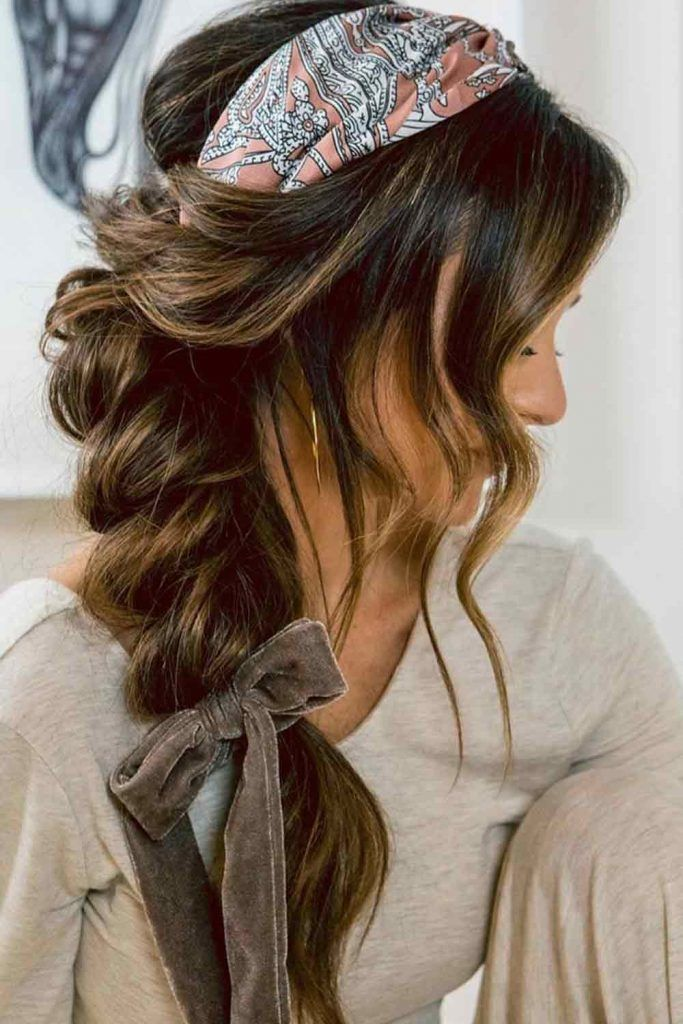 Messy Side Braid With Scarf #casualhairstyles #messyhairstyles
