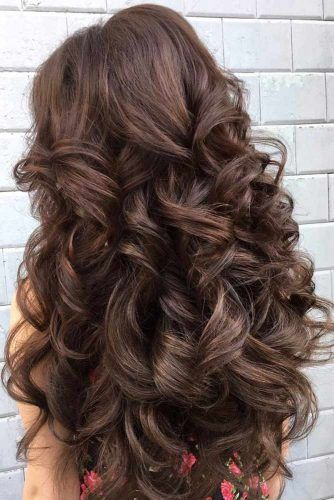 Big Bouncy Curls #longfaces #faceshapes #haircutsforlongfaces #haircuts #hairstyles
