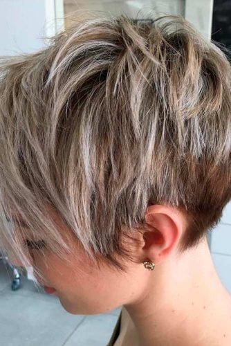 Short Pixie-Bob With Balayage