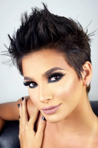 Womens short hairstyle pictures