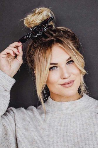 Classic Top Knot Hairstyle #topknothairstyles #hairstyles