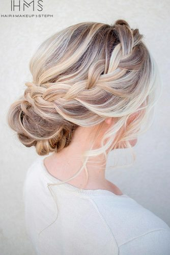 Cute Holiday Updo Hairstyles picture 1