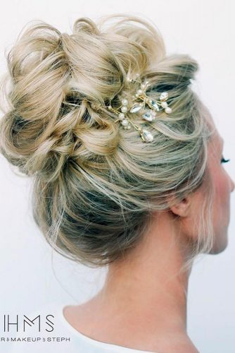 Cute Holiday Updo Hairstyles picture 3