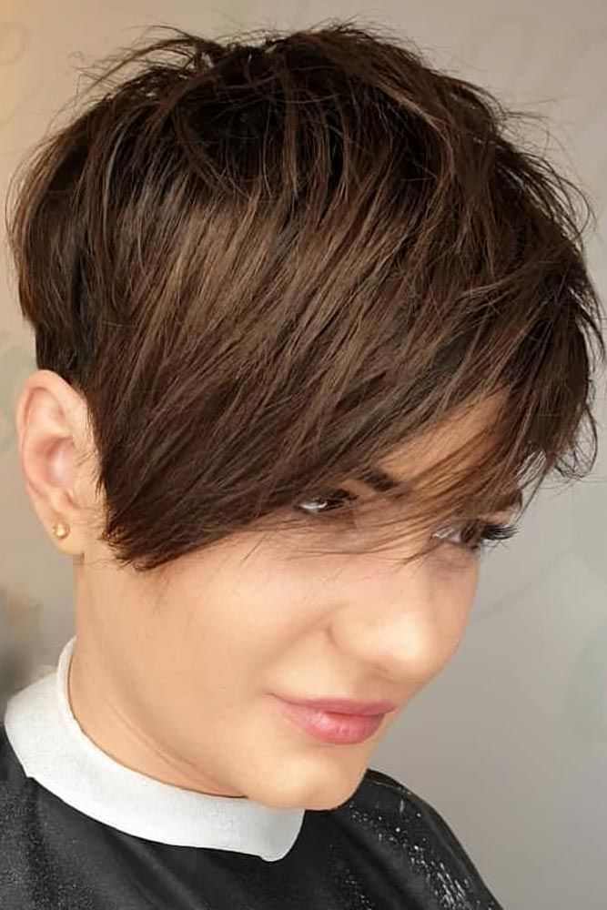 Brown Medium Pixie Hairstyle #pixiecut #haircuts