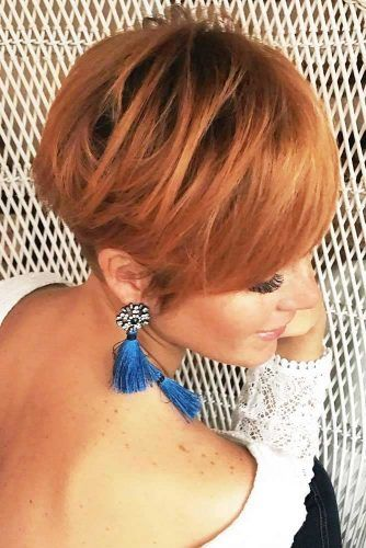 Layered Long Pixie Cut With Side Swept Bangs #pixiecut #haircuts
