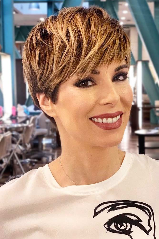 Messy Straight Pixie With Golden Highlights #pixiecut #haircuts