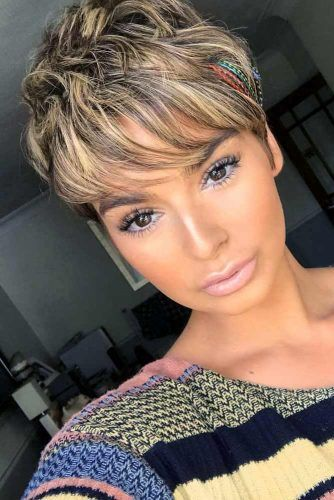 Short Layered Pixie With Bangs #pixiecut #haircuts