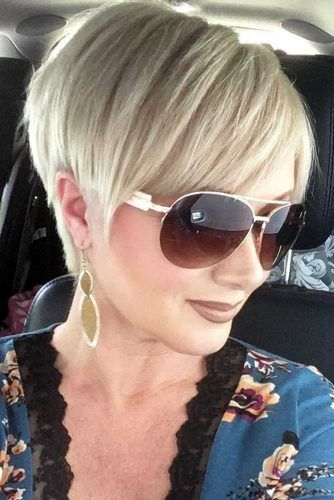 Straight Blonde Pixie Hairstyle With Bangs #pixiecut #haircuts