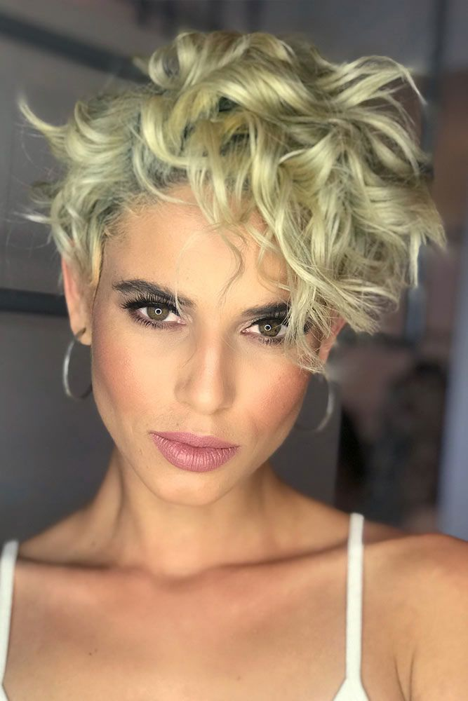 Messy Curly Pixie Style #pixiecut #haircuts