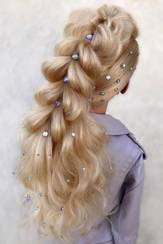 Pull Through Braid With Scattered Head Pieces #holidayhair