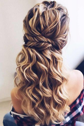 Half-Up With Fishtail Braid #halfup #braids #wavyhair