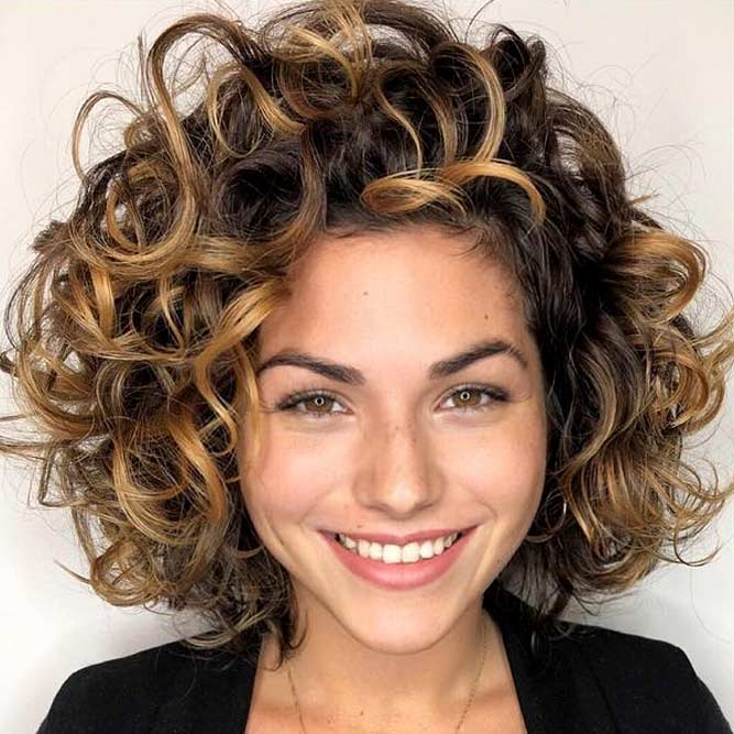 Hairstyles For Short Wavy Hair #shortcurlyhairstyles #curlyhairstyles #bobhaircut #hairstyles