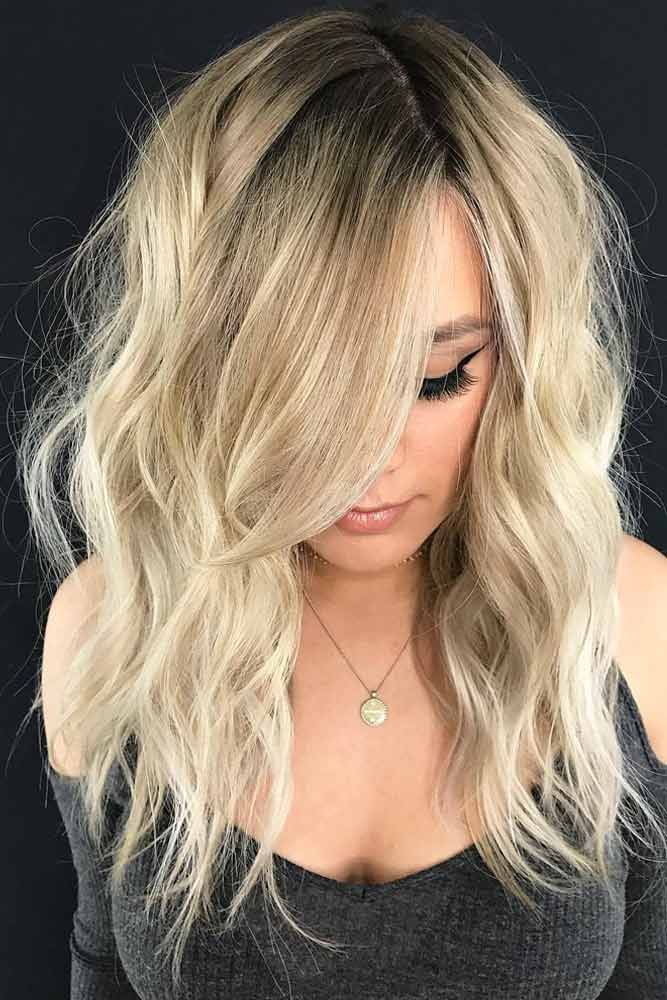 Wavy Long Side Hairstyles With Bangs #haircutswithbangs #haircuts #longhaircuts #wavyhair #blondehair