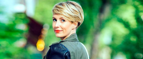 17 Classic and Elegant Short Hairstyles for Women Over 50