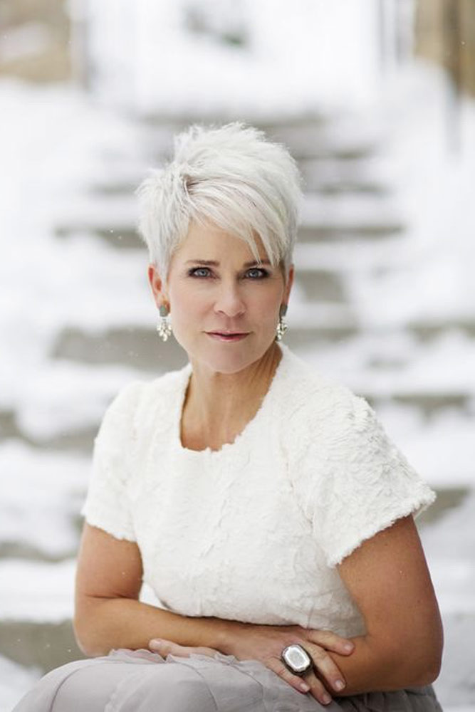 Stylish Messy Spiked Short Hairstyles For Women Over 50