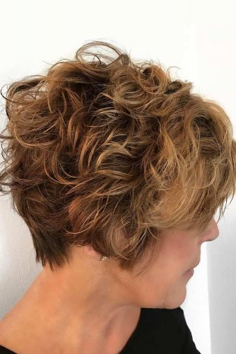 Curly Short Hairstyle to Add Volume