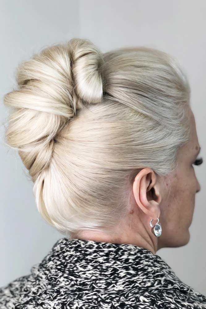 Updo Sleek Twist Short Hairstyles For Women Over 50 #hairstylesforwomenover50