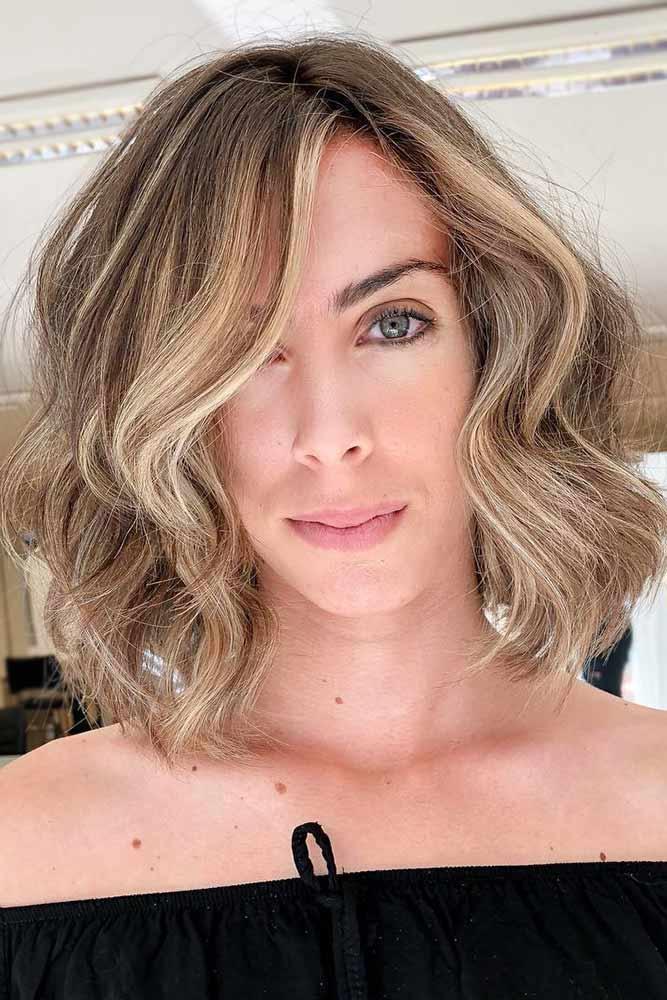 Framing Bangs For Medium Hair Length #sidesweptbangs #haircuts