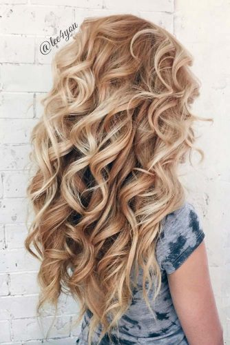 Timeless Hairstyles with Soft Glamorous Curls