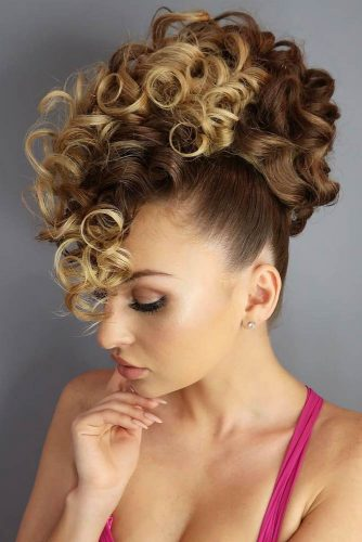 Wear Curly Updo To Look Like Diva