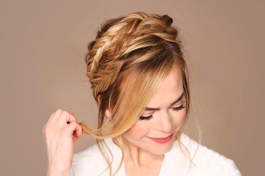 Unbelievably Beautiful Braid Hairstyles for Christmas Party