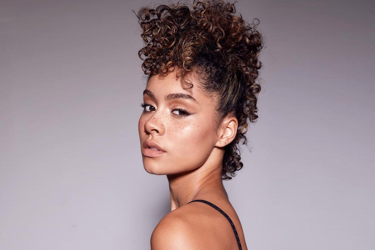 Sassy Short Curly Hairstyles To Wear At Any Age