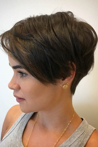 Side Swept Pixie #hairstylesforroundfaces #hairstyles #faceshapes #pixiehairstyles