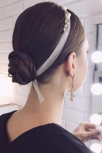 Pretty Medium Hairstyles for Valentines Day picture2
