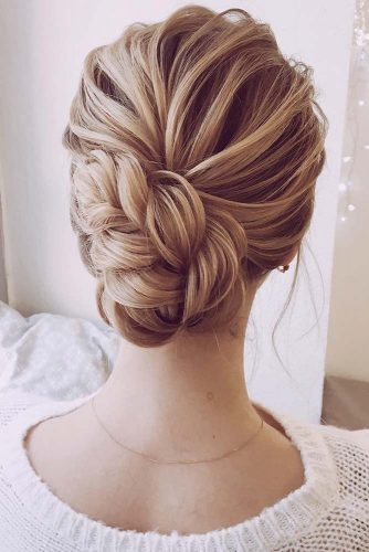 Stylish Hairstyles for Valentines Day picture2