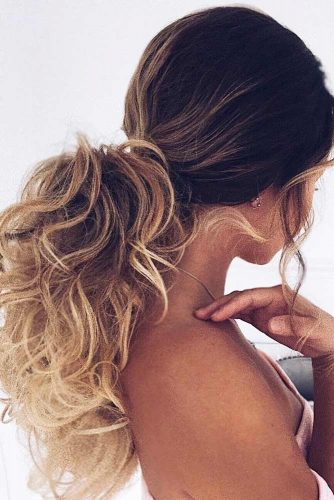 Curly Ponytail Hairstyles to Try picture 3