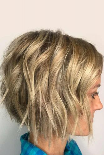 Wavy Bob For Blonde Girls Sandy Color #shorthairstyles #hairstyles #wavyhair #bobhaircut #sandyhair