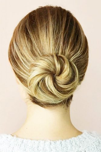 Different Ways to Create Easy Updos picture 2