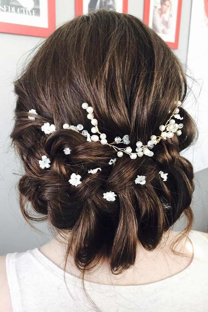 Low Updos With Accessories Twist #mediumhair #updos