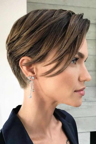 Soft Layered Pixie With Side Bang #shorthaircuts #finehair #pixiecut #layeredpixie