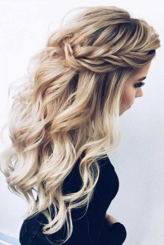 Wavy Messy Braided Half Up Half Down Hairstyles #halfuphalfdownhairstyles #hairstyles #bridesmaidhairstyles #weddinghair #longhair