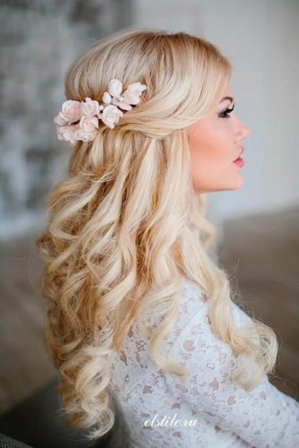 Flowered Bridesmaid Hairstyles picture1