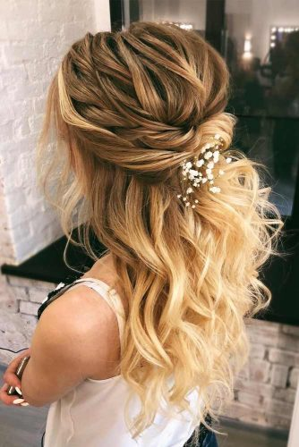 Twisted Wavy Half Up Hairstyle With Accessories #hairstylesforthinhair #hairstyles #thinhair #hairtype #halfuphairstyle