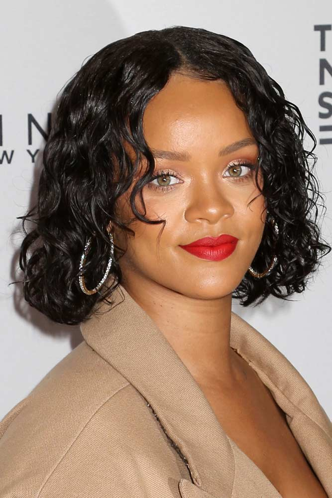 Sleek Curly Medium Layered Bob #layeredhaircuts #layeredhair #haircuts #bobhaircuts