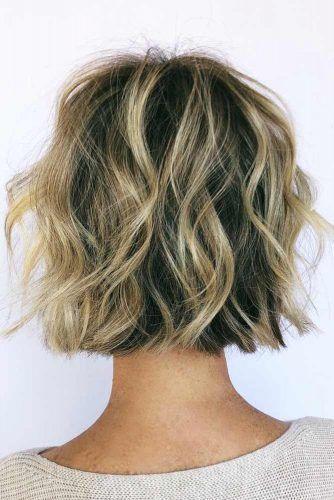 Short Wavy Layered Bob  #layeredhaircuts #layeredhair #haircuts