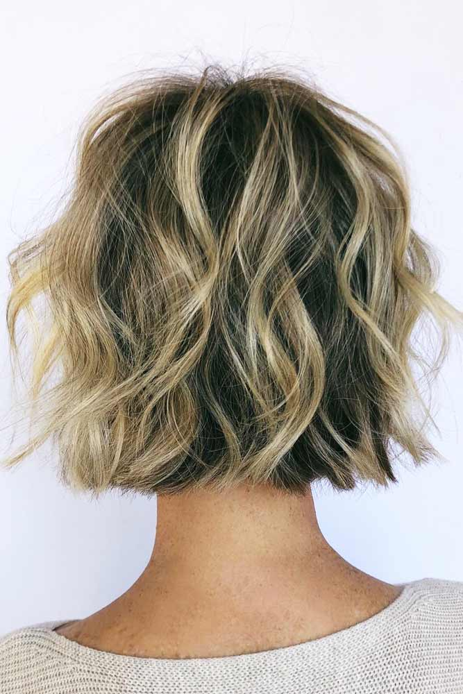 Short Wavy Layered Bob #layeredhaircuts #layeredhair #haircuts