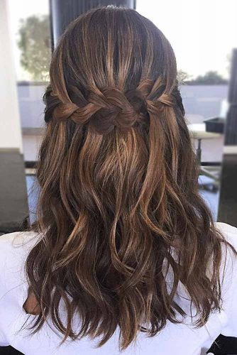 Romantic Medium Length Hairstyles picture1