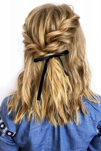 Half Up Half Down Bow Medium Hairstyles #halfup